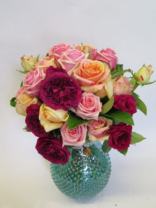 Fresh vase of Roses